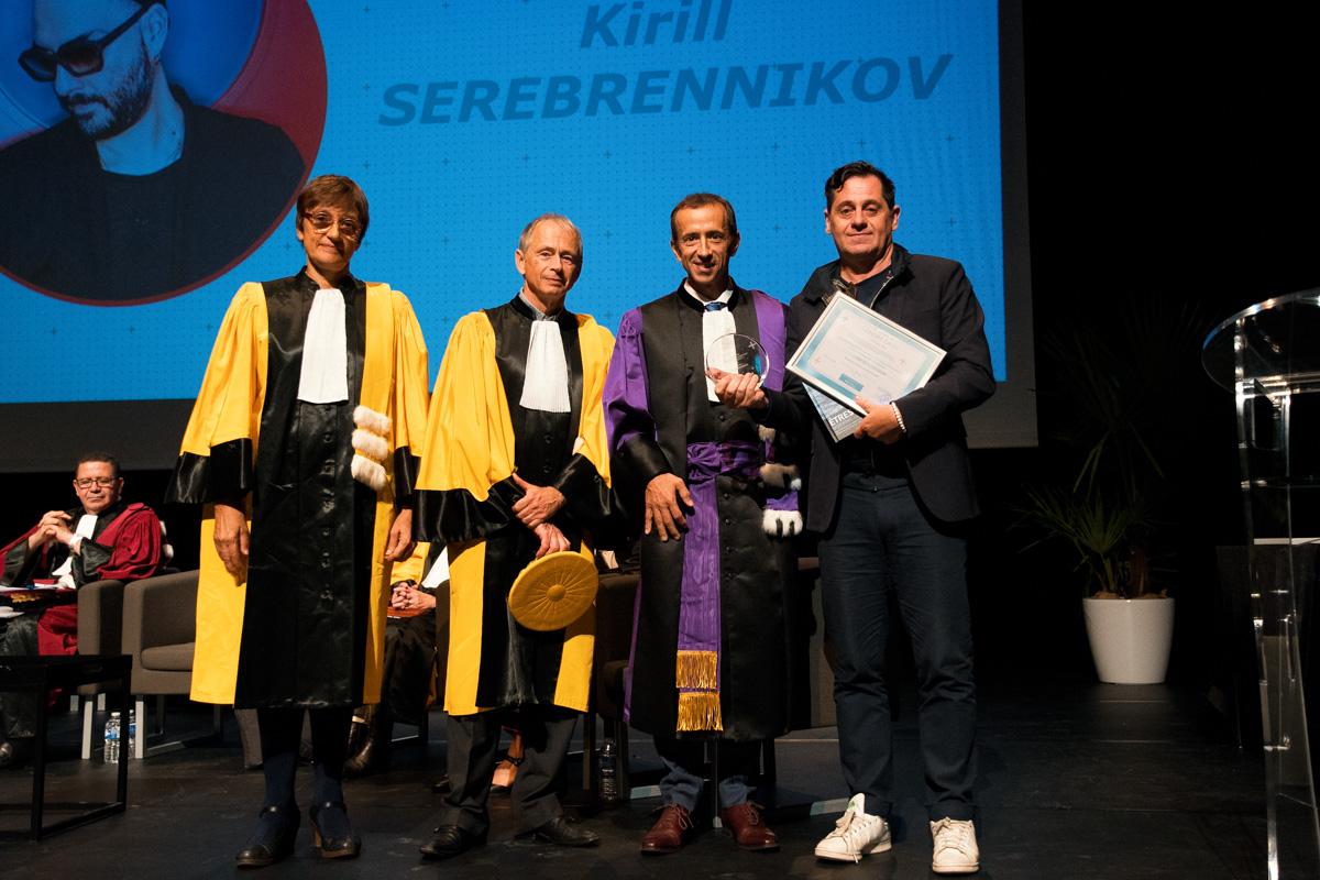 Olivier Py, directeur du festival d'Avignon, reçoit le prix pour K. Serebrennikov